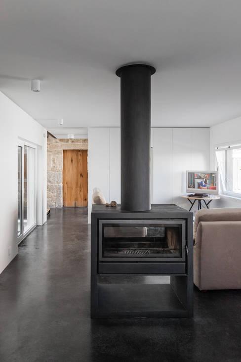 Salas de estilo  por FPA - filipe pina arquitectura