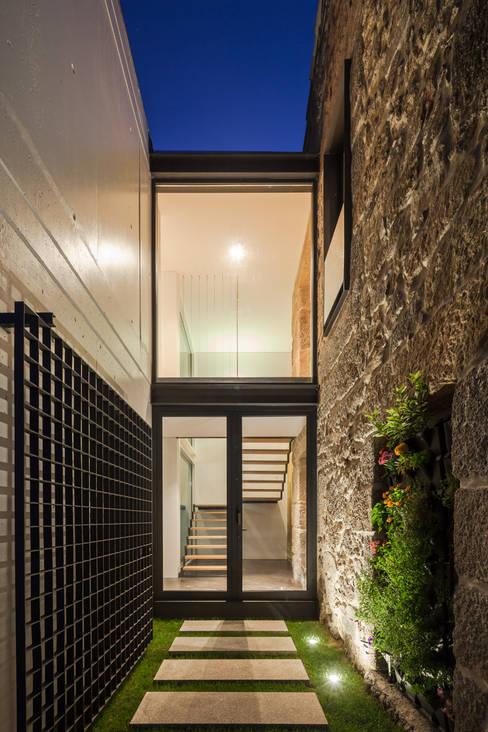 Casas de estilo  por FPA - filipe pina arquitectura