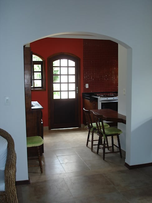 Mina Arquitetura & Construçõesが手掛けたキッチン