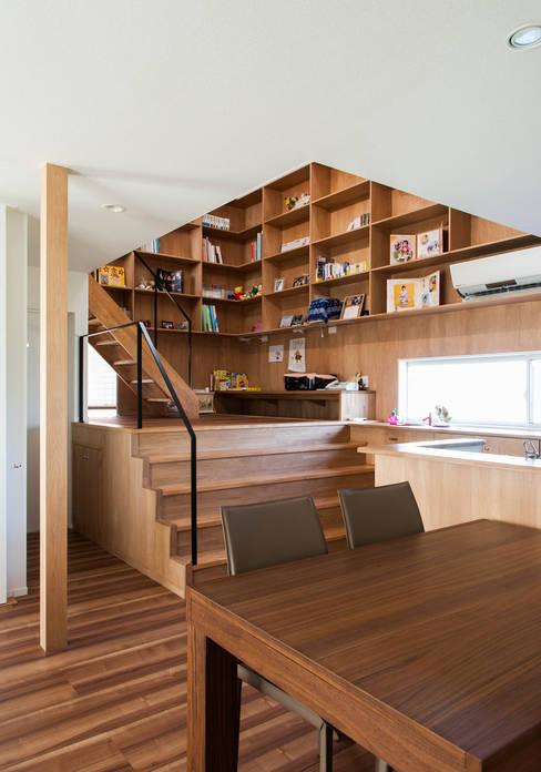 Study/office by 株式会社ブレッツァ・アーキテクツ