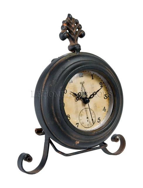 Часы настольные V379: Гостиная в . Автор – LeHome Interiors