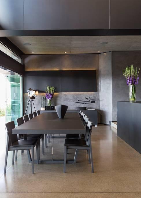 غرفة السفرة تنفيذ Nico Van Der Meulen Architects