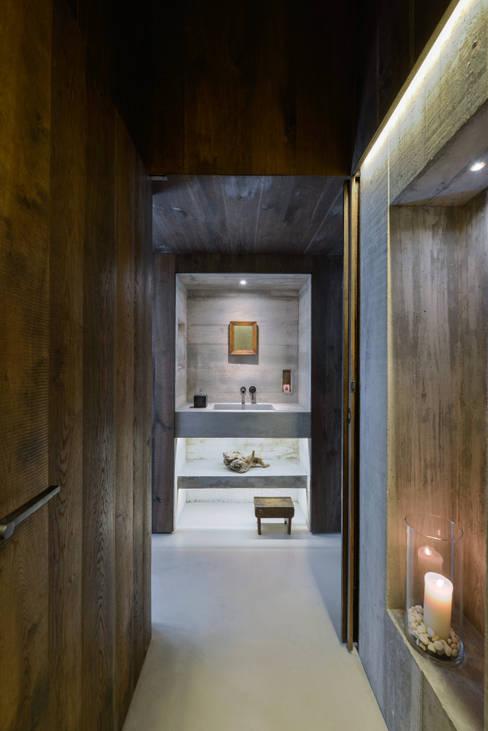 Ricardo Moreno Arquitectos:  tarz Banyo