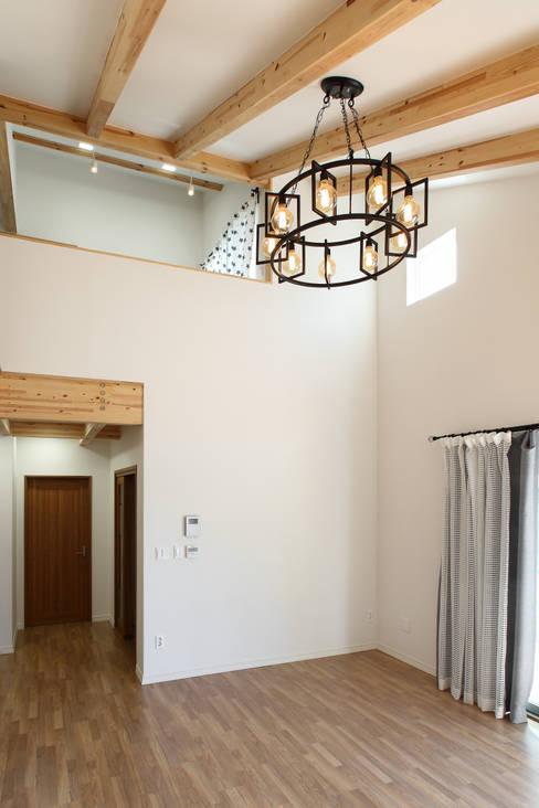 غرفة المعيشة تنفيذ woodsun
