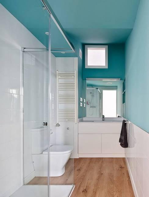 Banheiros  por Vallribera Arquitectes