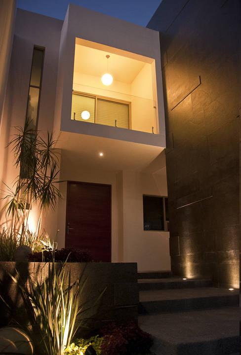 Detalle de acceso: Ventanas de estilo  por fc3arquitectura