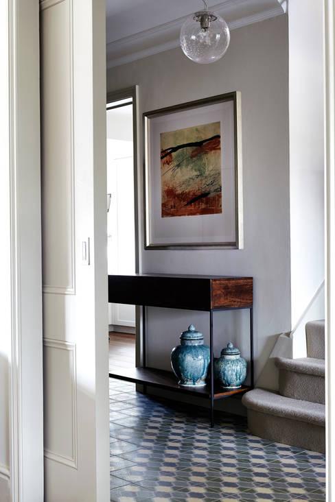 Corridor, hallway & stairs by Studio Duggan