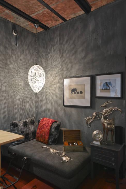 ห้องทำงาน/อ่านหนังสือ by monica khanna designs