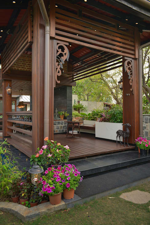Balconies, verandas & terraces  by monica khanna designs