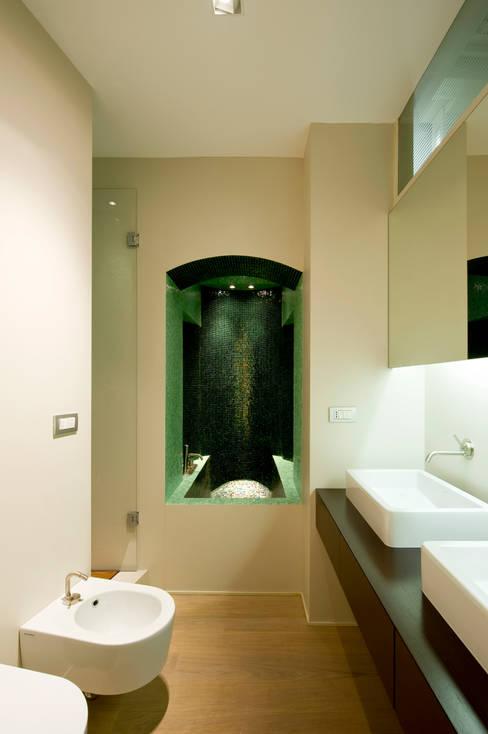 Progetto: Bagno in stile  di femia studio (mAc14)