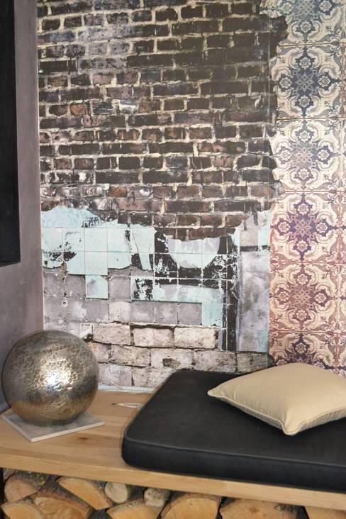 Salon habitation principale: Salon de style  par KREA Koncept