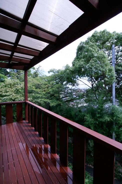 Terrace by 士