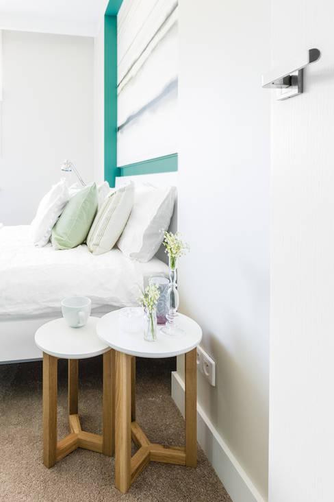 ห้องนอน by Ayuko Studio