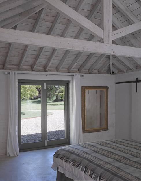 Bedroom by Nash Baker Architects Ltd