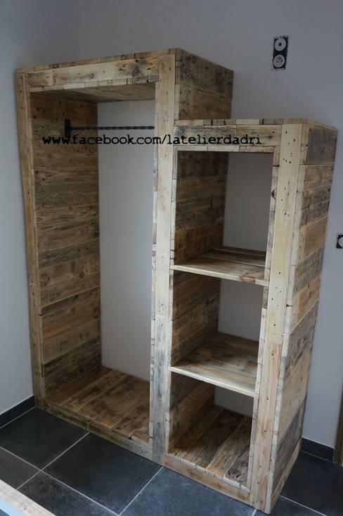 Dormitorios de estilo  por l'atelier d'adri