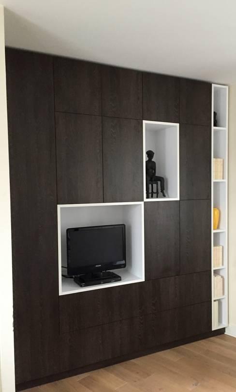 Dormitorios de estilo  por Thomas JENNY