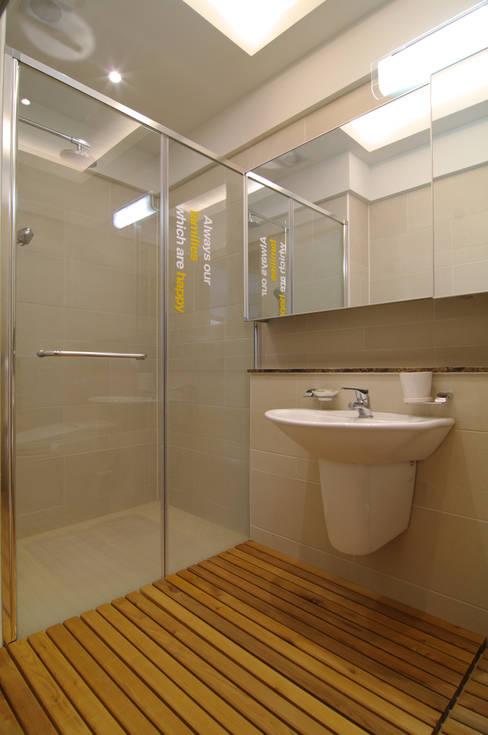 은평2지구 두산위브 42평형 : Design A3의  욕실