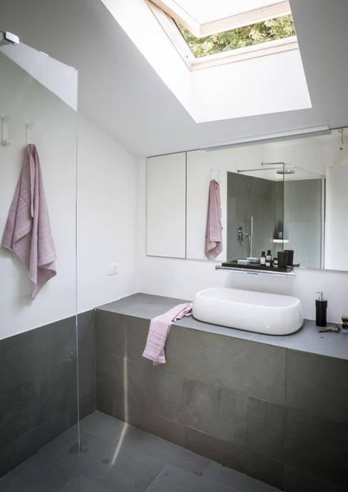 Baños de estilo  por MIROarchitetti