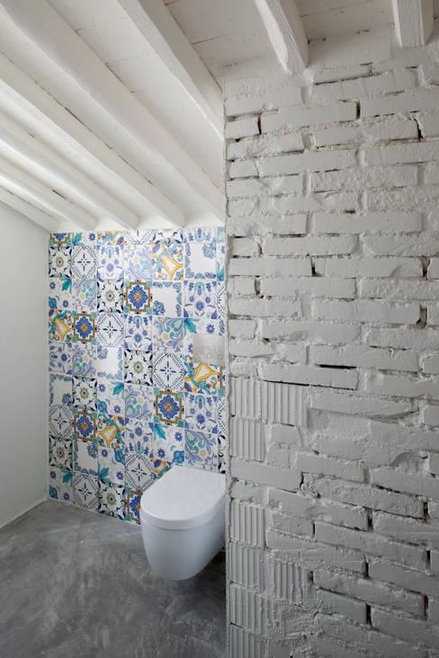 浴室 by MIDE architetti
