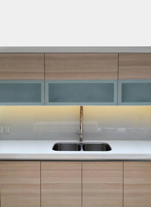 Kitchen by ROMERO DE LA MORA