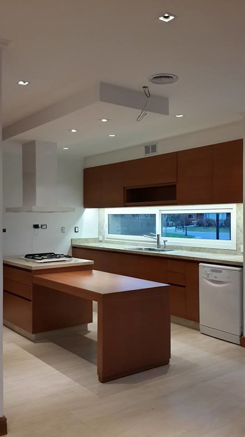 Kitchen by IDB ARQ