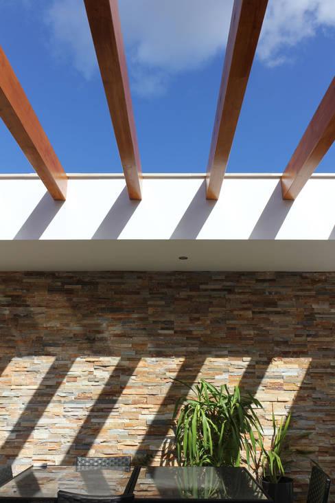 Casas  por SOUSA LOPES, arquitectos