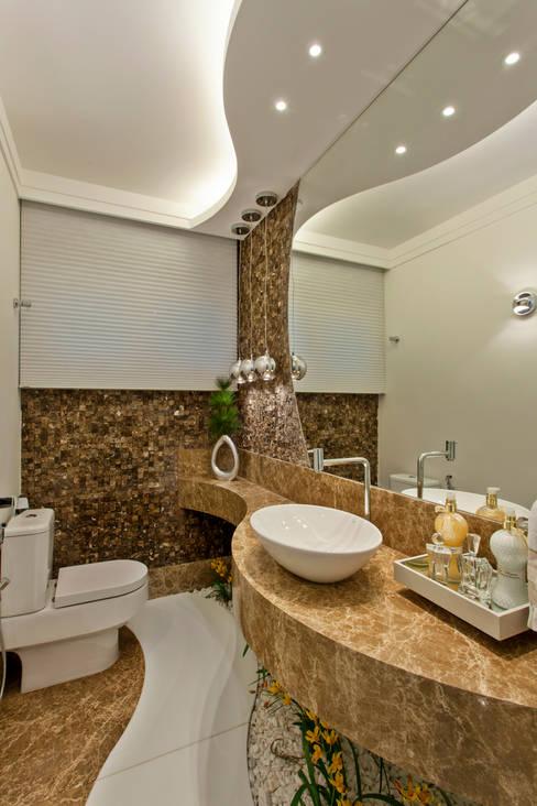 حمام تنفيذ Arquiteto Aquiles Nícolas Kílaris