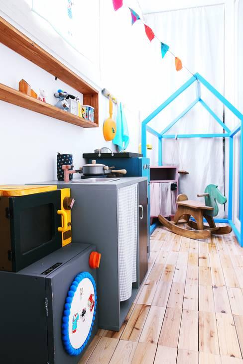 전셋집 4년 셀프인테리어 self interior : 13월의 블루 의  거실
