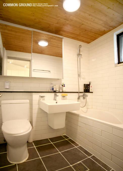 Bathroom by 커먼그라운드