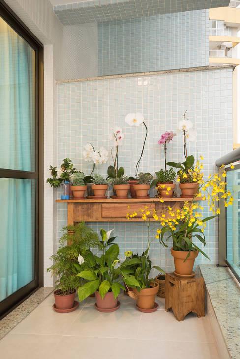Jardines de estilo  por Escritório Ana Meirelles