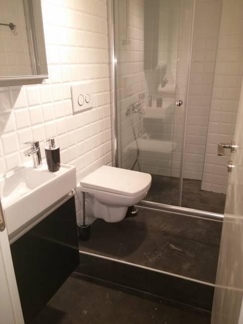 Pil Tasarım Mimarlik + Peyzaj Mimarligi + Ic Mimarlik – Toilettes after renovation:  tarz