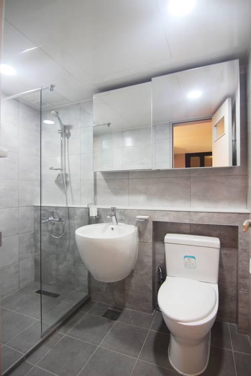 Ванные комнаты в . Автор – Light&Salt Design