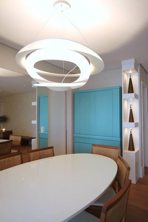 Dining room by MeyerCortez arquitetura & design