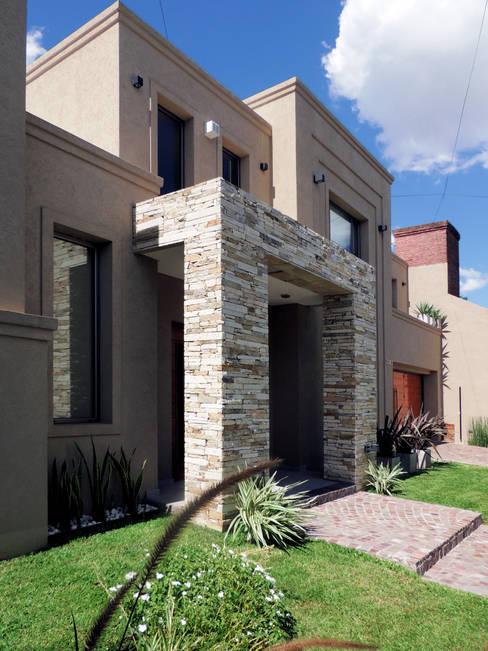 Casas de estilo  por Carbone Fernandez Arquitectos