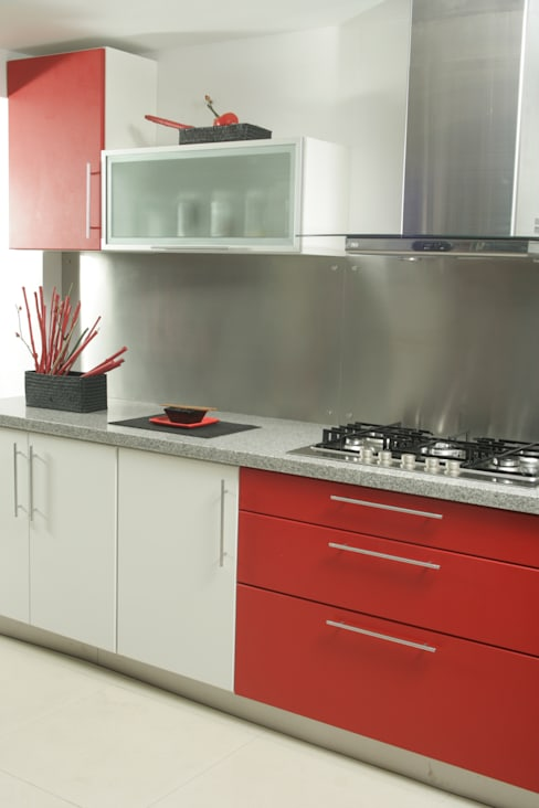 Projekty,  Kuchnia zaprojektowane przez Sql Amoblamientos de Cocina