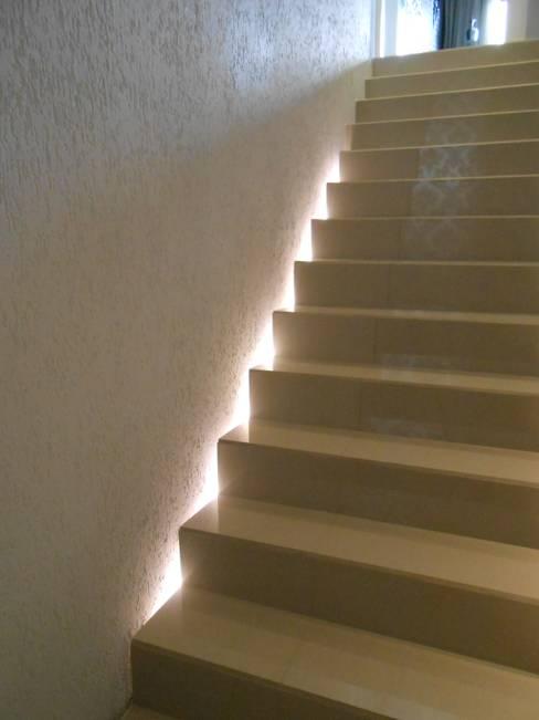 Projekty,  Salon zaprojektowane przez Mariana Von Kruger Emme Interiores