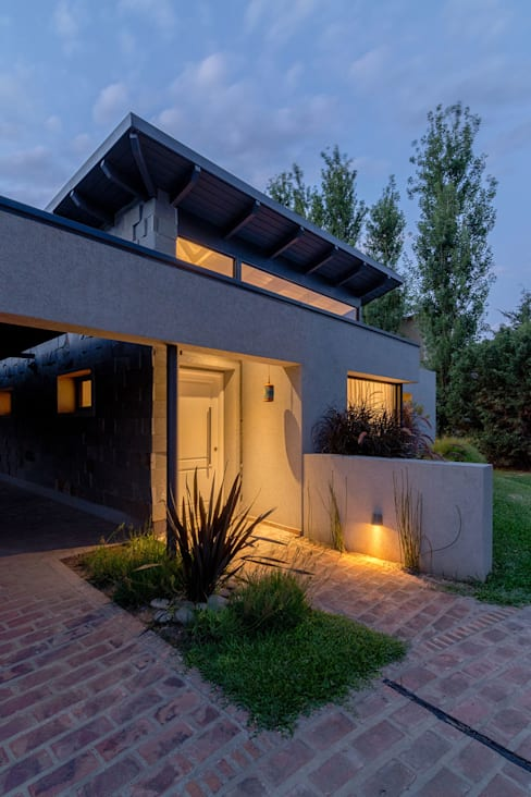 Casas de estilo  de ARRILLAGA&PAROLA