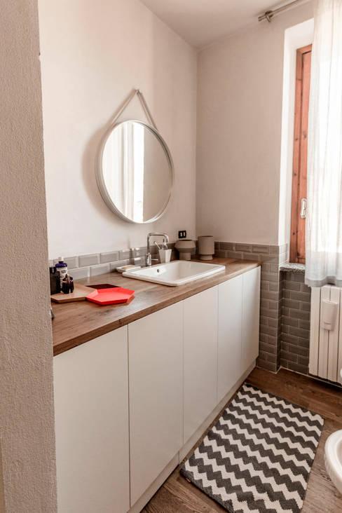 Bathroom by Galleria del Vento