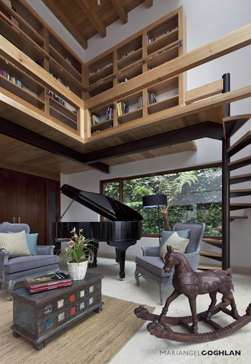 ห้องนั่งเล่น by MARIANGEL COGHLAN
