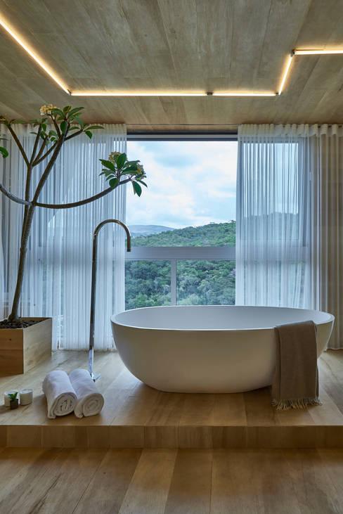 Hoteles de estilo  por Piacesi Arquitetos