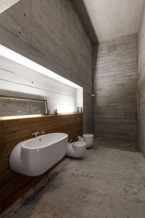 Banheiros  por Carvalho Araújo