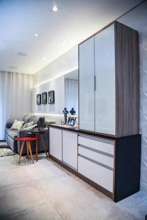 Apto 92m²: Salas de estar  por Andressa Saavedra Projetos e Detalhes