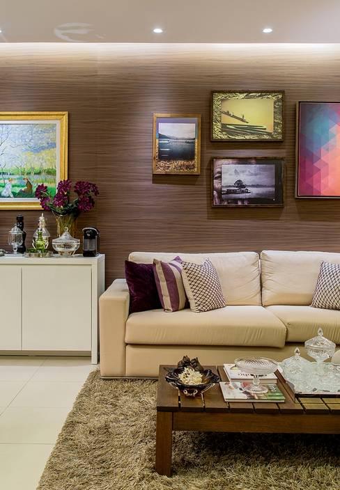 Apartamento VA: Salas de estar  por Bastos & Duarte