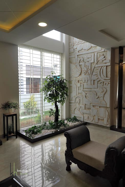 Interior landscaping by KREATIVE HOUSE
