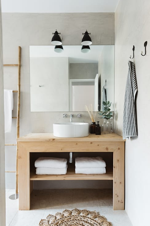 Bathroom by Architect Your Home