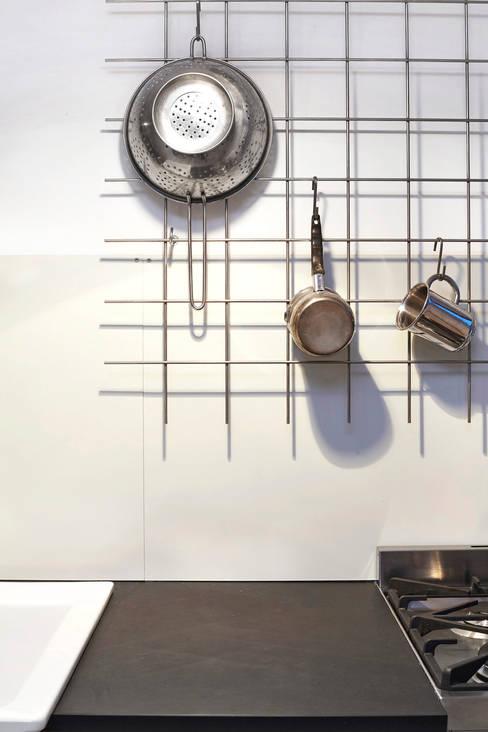 Kitchen 02:  Küche von Happyhomes