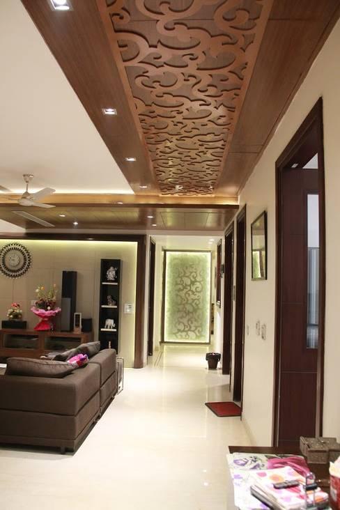 Corridor & hallway by Studio Ezube