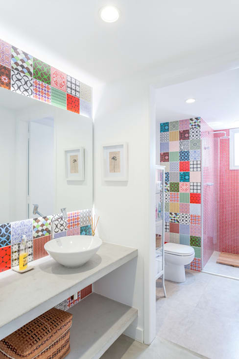 Salle de bains de style  par Nautilo Arquitetura & Gerenciamento