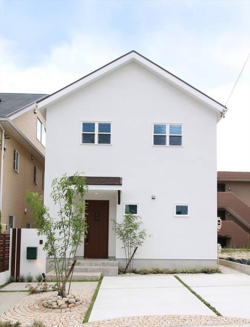 外観 - 子育てをコンセプトにした住まい「育みの家」: ジャストの家が手掛けた家です。