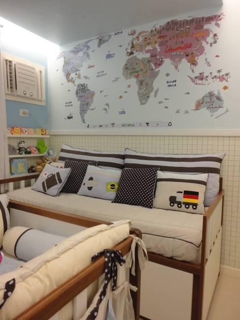 Nursery/kid's room by Maria Helena Torres Arquitetura e Design